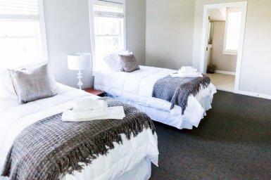 Bed & Breakfast Style